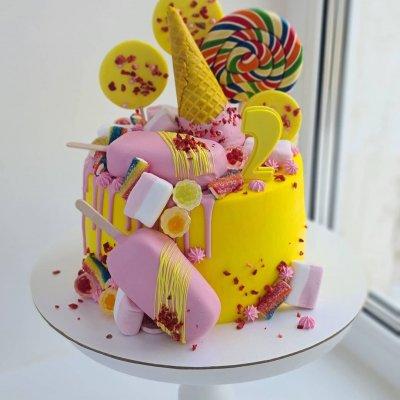 Торт со сладостями №6