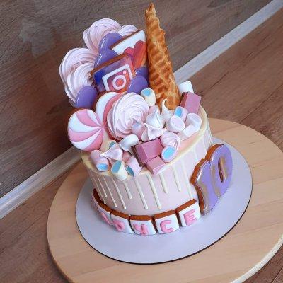 Торт со сладостями №11