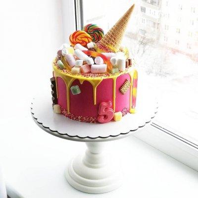 Торт со сладостями №12
