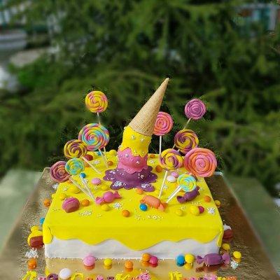 Торт со сладостями №9