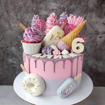 Торт со сладостями №19