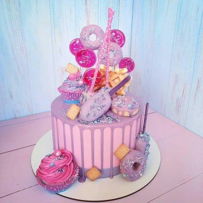 Торт со сладостями №7